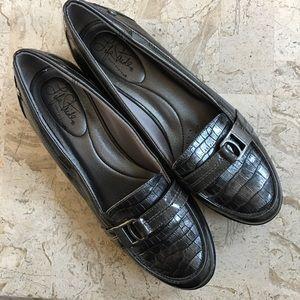 Loafer Kiss LifeStride Low Heel Slip On Grey